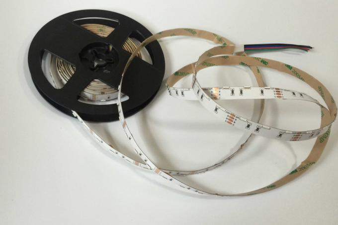 DC12V 040 SMD Rgb Led Strip Lights Outdoor Led Strip Lights Waterproof With 90 Degree Beam Angle